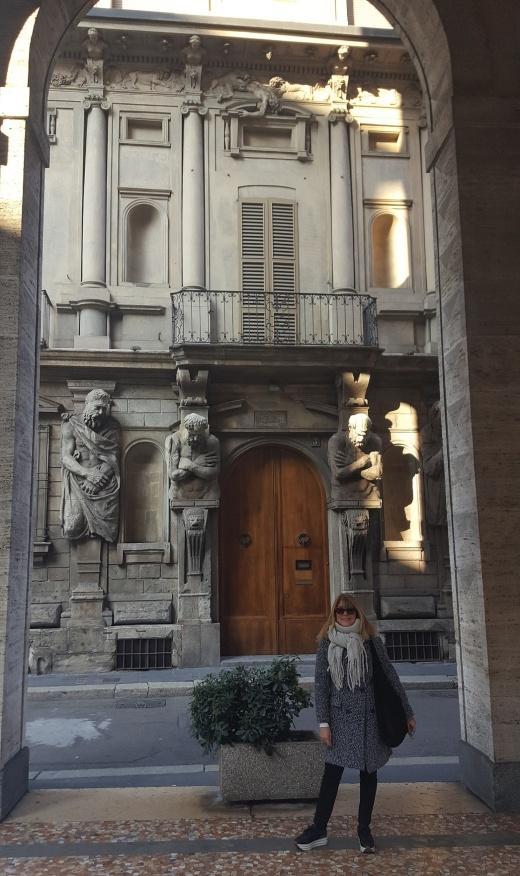 Lola Muda Milano Italia