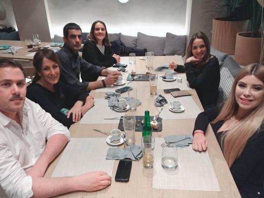 Ricardo Asensio, Maria Martinez, Mikel, Olga, Raquel y Carla